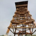 Impozáns kilátó hirdeti a magyar táj szépségét a Papod-hegyen
