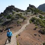 Kikövezett út vezet a Pico Ruivo csúcsára