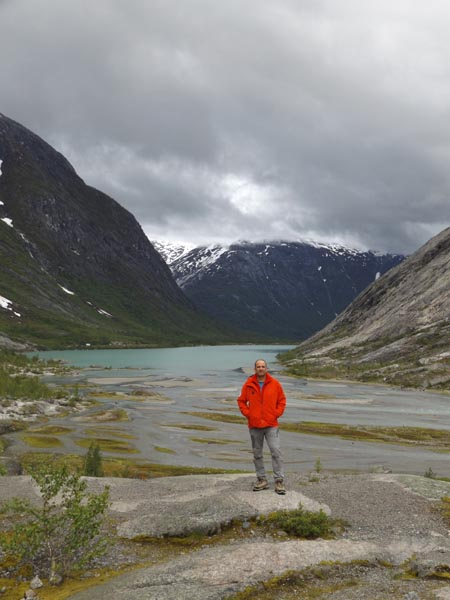 Olvadékvíz-tavacska a Nigard-gleccsernél