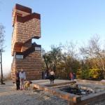 Jenga-torony a hegytetőn