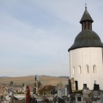 Kallósd: egy bűbájos 700 éves templomocska a dombtetőn