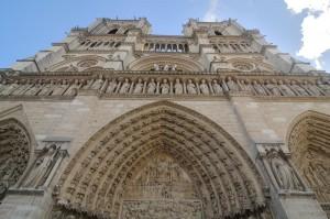 travelzona_Notre_Dame1